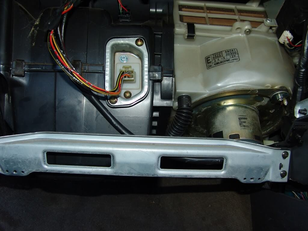 Sparky 39 s answers 1994 subaru legacy blower does not work for Window location