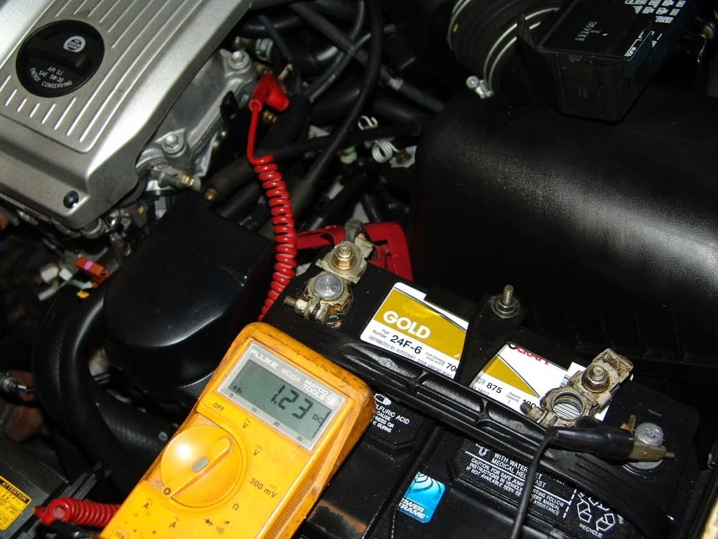 Sparky S Answers 1999 Lexus Es300 Battery Goes Dead