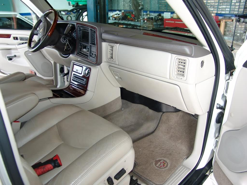 Sparky S Answers 2005 Cadillac Escalade Driver S Side