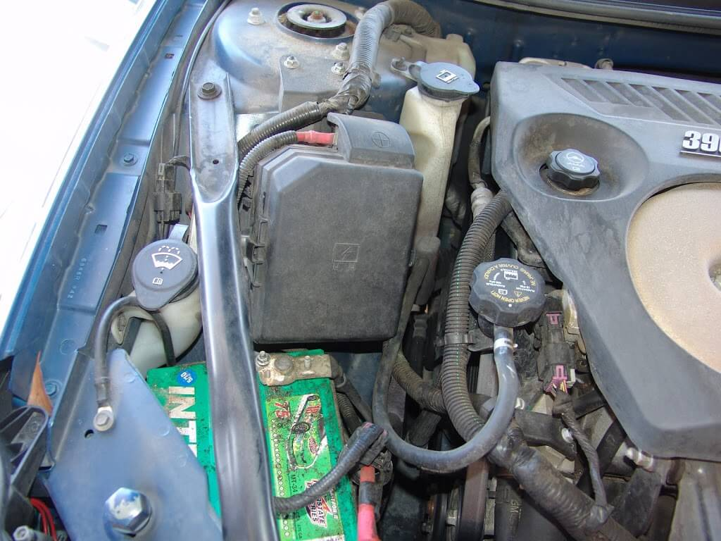 2002 Chevy Cavalier Fuel Filter Location as well Fuel Pump Inertia Switch Reset And Location On Ford Taurus moreover Switched Power Supply Fuse Box I Can Tap 2007 Equinox Ls 73121 also 98 Dodge Dakota 4 Cylinder Engine further Watch. on 2006 chevy aveo fuse box diagram