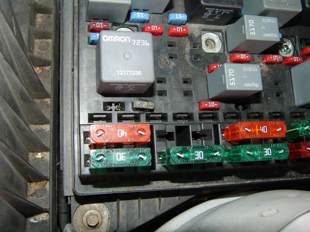 sparky s answers 2002 chevrolet malibu  power outlet not 2002 malibu fuse box diagram 2002 Malibu Engine Diagram